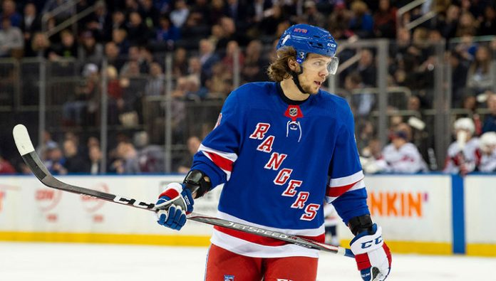 Goal and the two passes Panarin helped the Rangers to deal with
