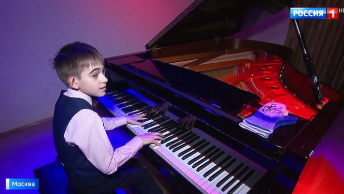 In Bashmet the Centre of a festival of musicians of the Philharmonic Children's future