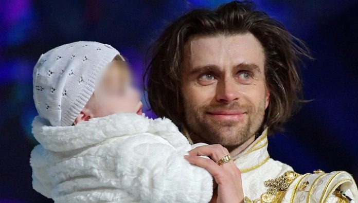 Year-old daughter Zavorotnyuk brought to the ice