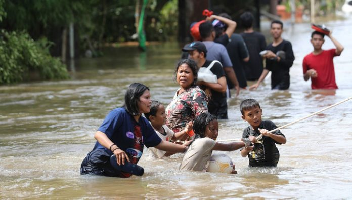 43 people were victims of floods in Indonesia