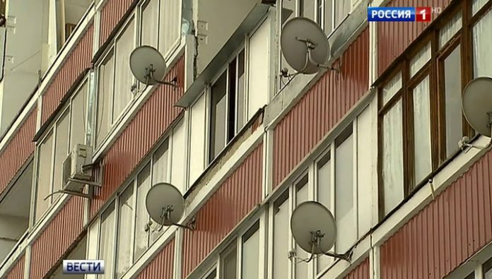 A resident of St. Petersburg apartments with ceiling rained maggots: two years on her rotting corpse