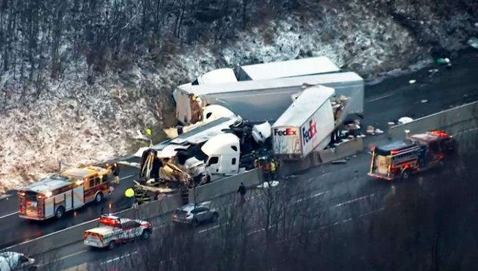 Accident in the United States: five people were killed and more than 60 injured