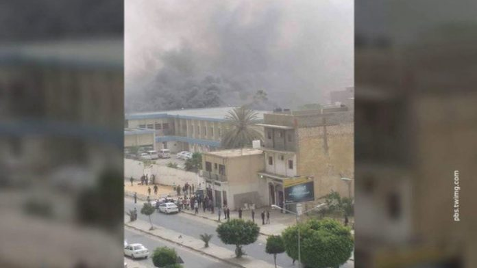 At the military school in Tripoli caused an airstrike killed dozens of cadets