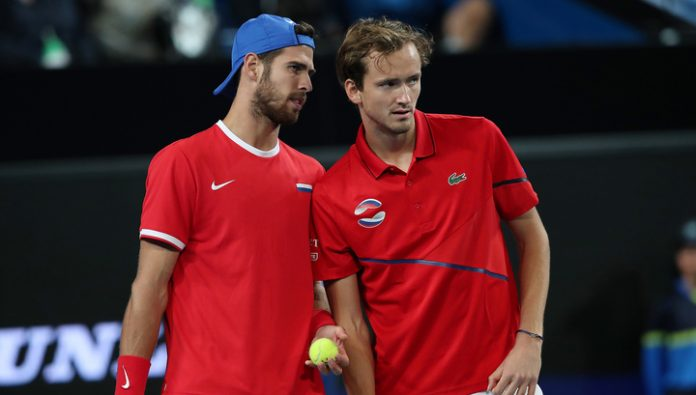 ATP Cup. Medvedev and Khachanov won a steam room meeting the Italians