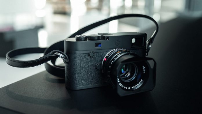 Camera Leica for half a million rubles can shoot only black-and-white photo