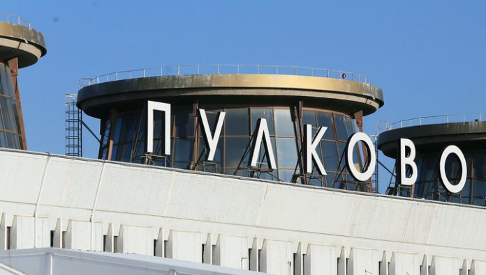 Flying to Murmansk passenger liner back in Pulkovo due to bad weather
