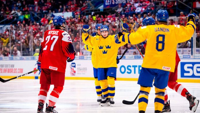 Hockey. In the semi-finals of the youth world Cup opponent will be Russia and Sweden