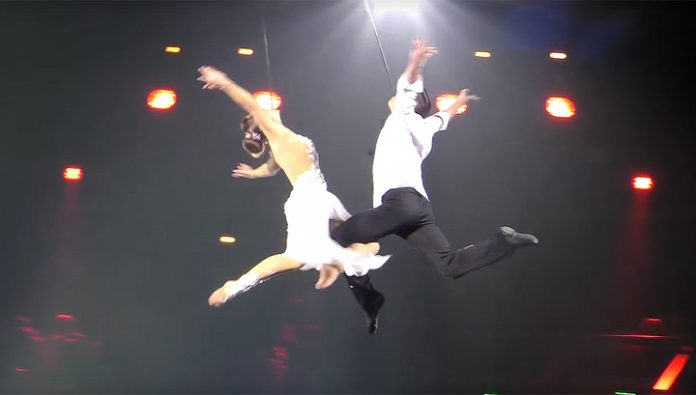 In Amsterdam during the show with a 10-meter height fell two acrobats from Russia