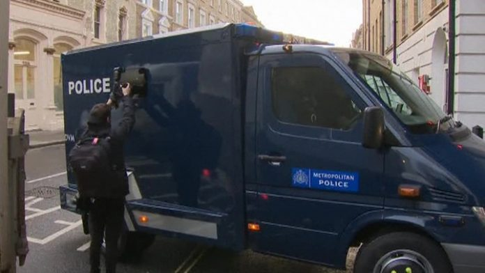 In London began to consider the case Assange extradition to the USA