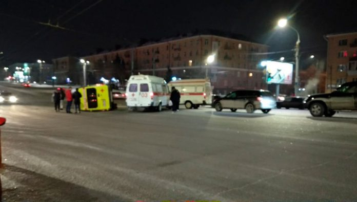 In Omsk the woman who survived crash, died in a few minutes in an accident with the ambulance