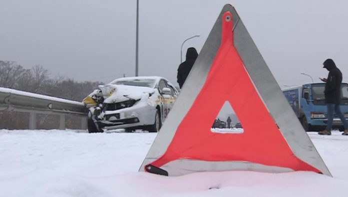 In the suburbs in a large-scale accident five people suffered