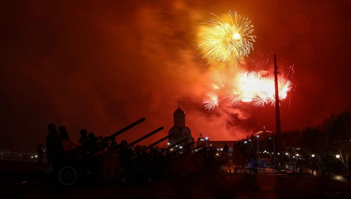 Moscow saluted in honor of the 75 th anniversary of the liberation of Warsaw