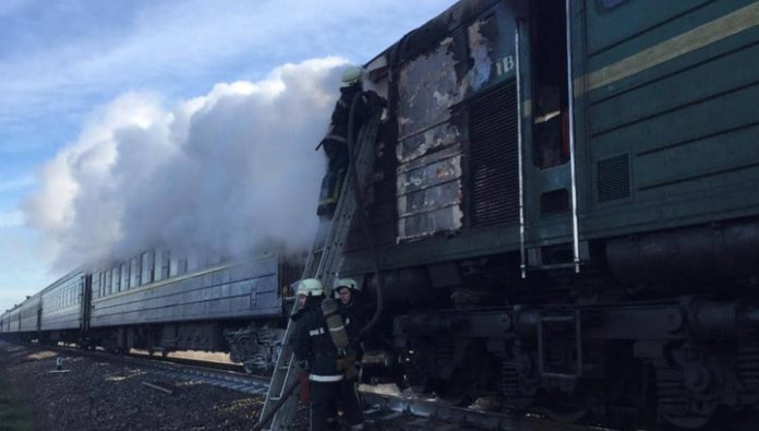 Near Kherson due to short circuit burned out the locomotive of a passenger train