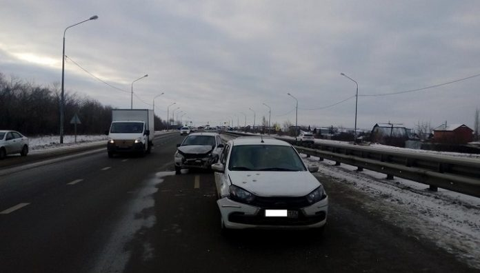On the track in the Chelyabinsk region faced three cars