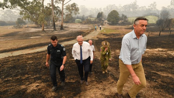 Prime Minister of Australia called for a forest fire is almost 3 thousands of military