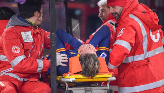 Roma midfielder injured his knee and will miss the European championship