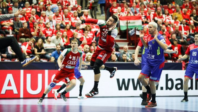 Russian handball players lost to the Hungarians at the start of the European championship