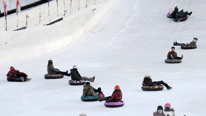 Skiing tubing turned to the Ufa pensioner cemetery