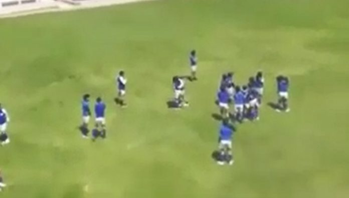 The Ecuadorian students were not able to finish the football match because of a tornado. Video