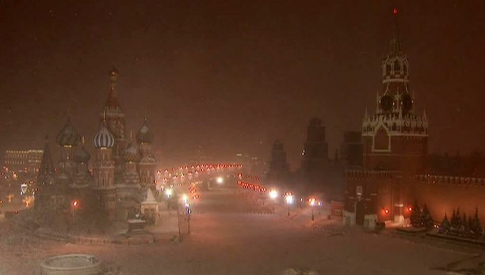 The European winter is Crimean: Moscow covered with snow