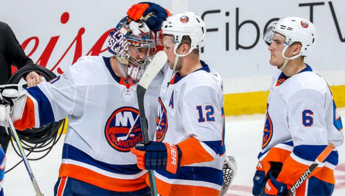 The islanders beat Colorado, Varlamov was the first star of the match, reflecting all 32 shots