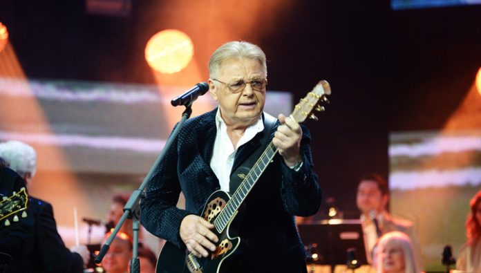 The singer Yuri Antonov suffered a complicated knee surgery