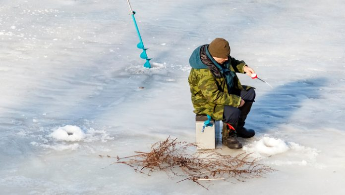The Urals are searching for lost fishermen