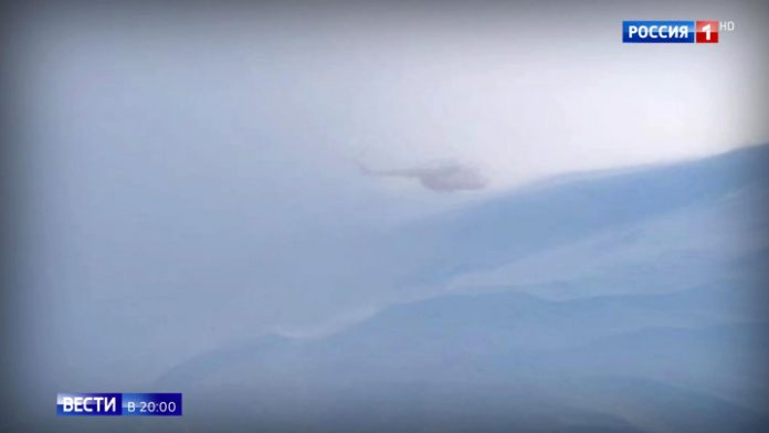 Tourists with young children were evacuated from the Kamchatka volcano in the midst of the storm