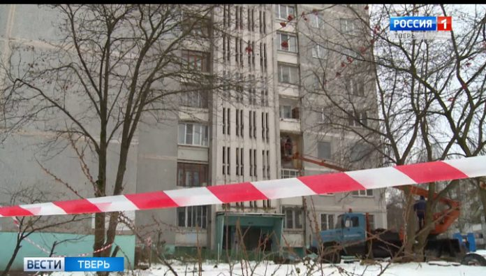Victims of gas explosion in Tver were moved into temporary housing
