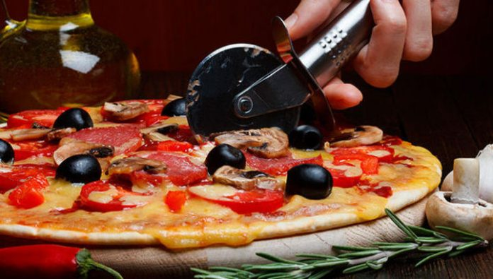 What should not eat in an Italian restaurant: tips chefs