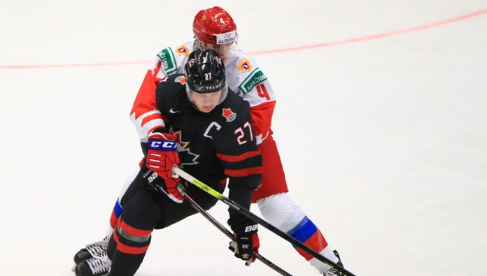 Young Russian hockey players lost to the Canadians in a dramatic world Cup final