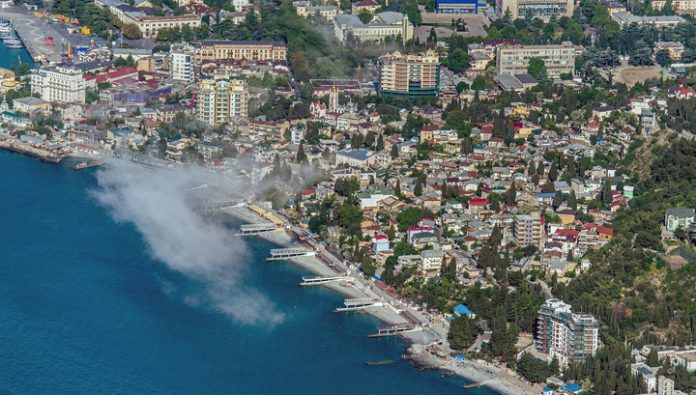 The holiday season in the Crimea will open in three stages