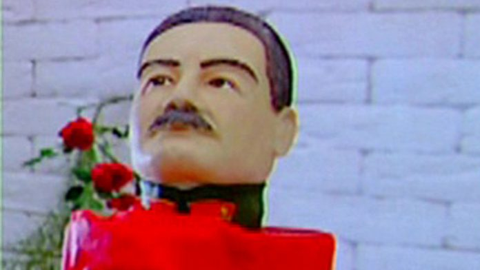 From Nicholas II to Putin: Yakut pastry chefs have arranged an exhibition of cakes depicting famous politicians