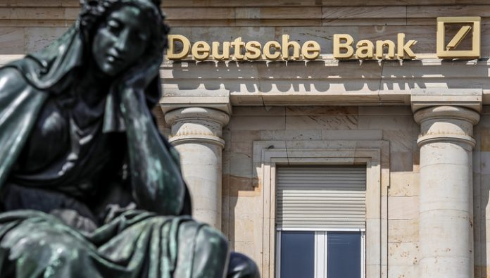 Gold is expensive, but Deutsche Bank expects the failure of investors from the dollar