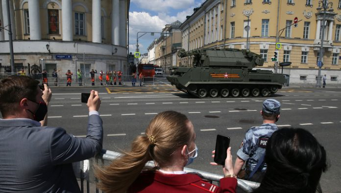 In the center of Moscow, resumed traffic on several streets
