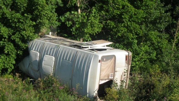 In Ugra overturned bus with shift workers: two in critical condition