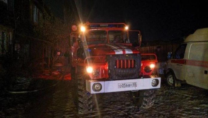 In Ulan-Ude firefighters eliminated a major fire in a residential building