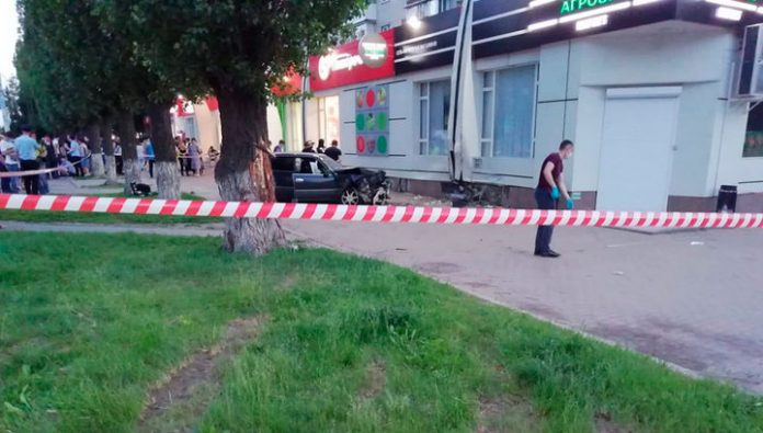 In Voronezh the police officer drove onto the sidewalk and crushed to death a pedestrian