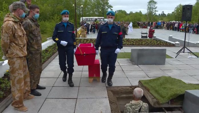 On Sakhalin reburied the remains of Soviet soldiers
