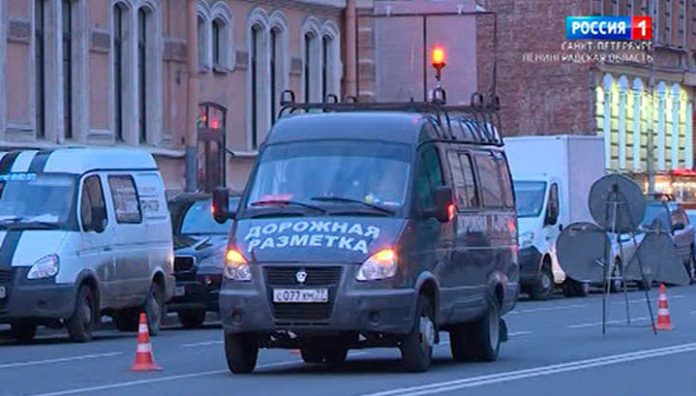 Parking on the streets of St. Petersburg will allocate in blue