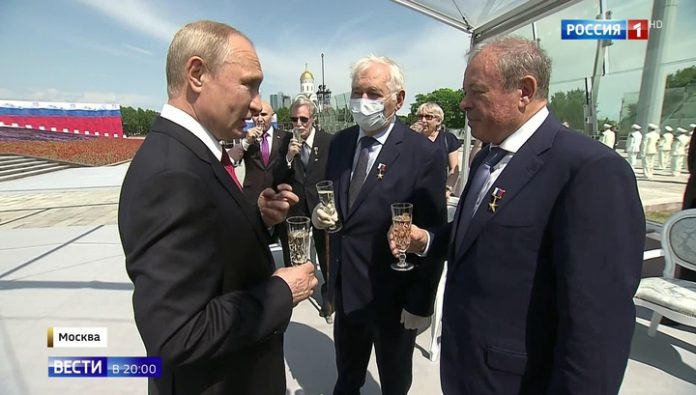 Putin has rewarded those who kept the country