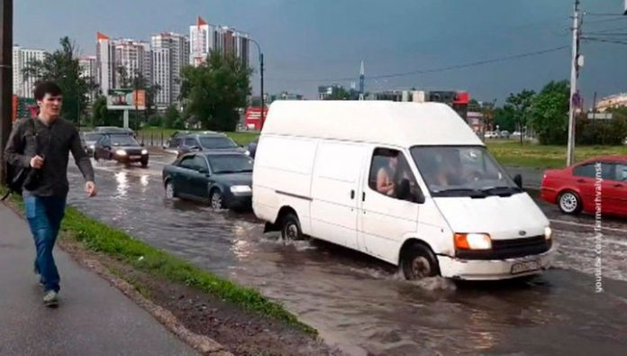 St. Petersburg struck with hail showers and Gale force winds