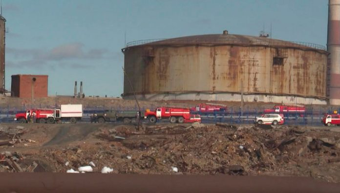The employee of the RTN has accused of negligence over the oil spill in Norilsk