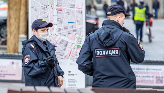 The police checks the information about the shooting in the North of Moscow