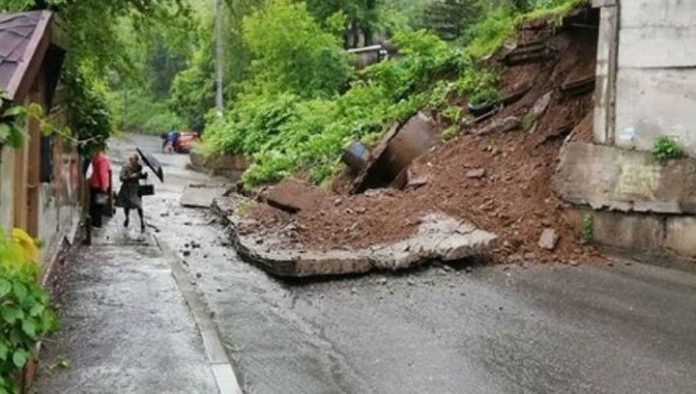 The Prosecutor's office began checking on the fact of the collapse of the retaining wall in Vladivostok