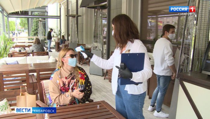Veranda cafes and restaurants of Khabarovsk have started to receive guests