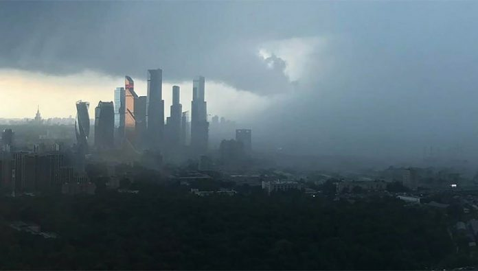 300 emergency crews save Moscow the effect of a powerful shower