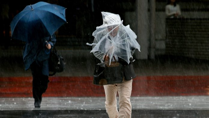In two prefectures in southwest Japan 203 is evacuated thousands of people due to rain