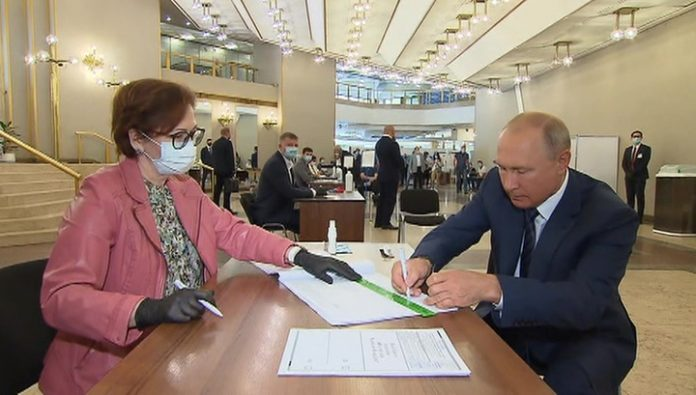 Putin voted in RAS